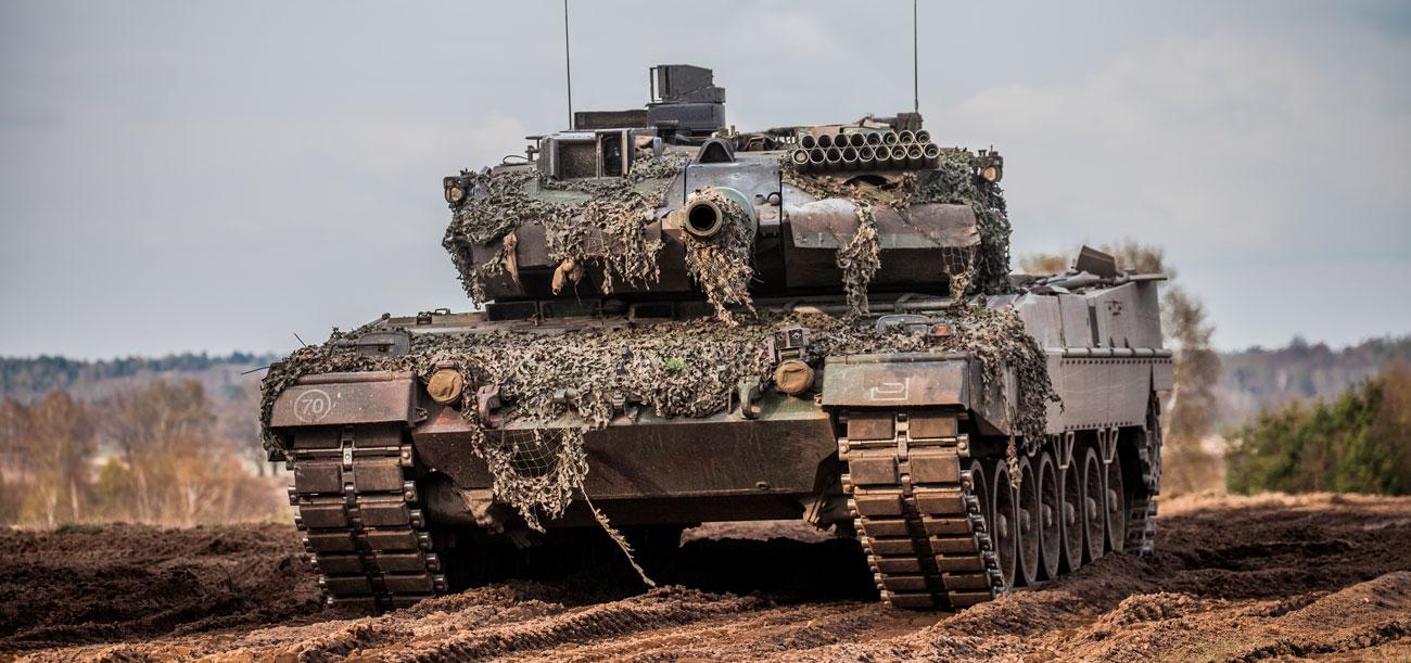 Trækstropper til biler og kampvogne, winchliner og løftestropper i Dyneema til militær.
